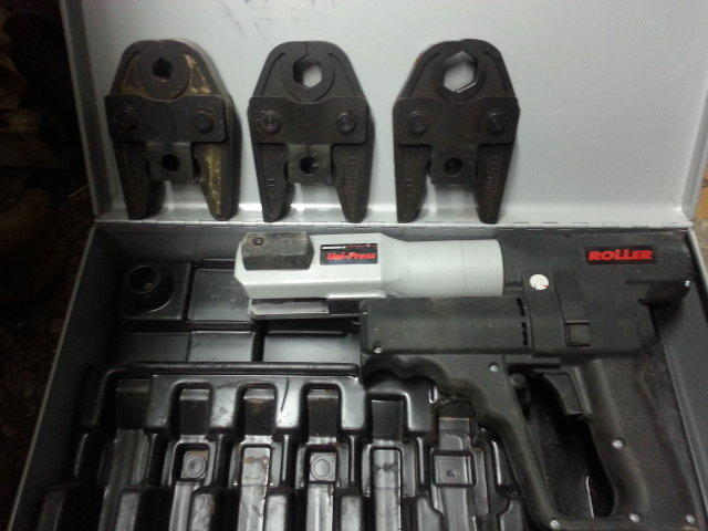 不鏽鋼管 壓接機 油壓機 4分,6分,1吋出租900/天 出售26000