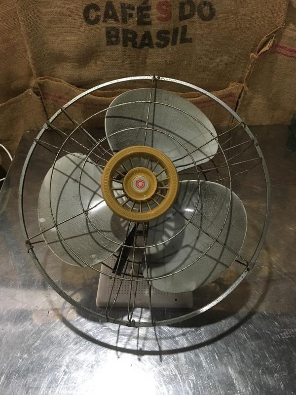 天花板吊扇 (中古 二手 舊品 鋁葉360度旋轉吊扇 18吋 大同牌 工業扇)