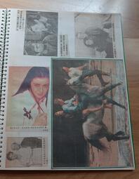 【明星收藏品】 --《 李察吉爾 + 辛蒂克勞馥 》絕版雜誌內頁收集 / 1張--**愛麗絲夢遊** --4-21