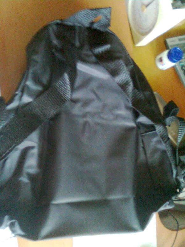 可折疊 收納 輕便型 後背包 350g 防水材質 黑色 賣50元