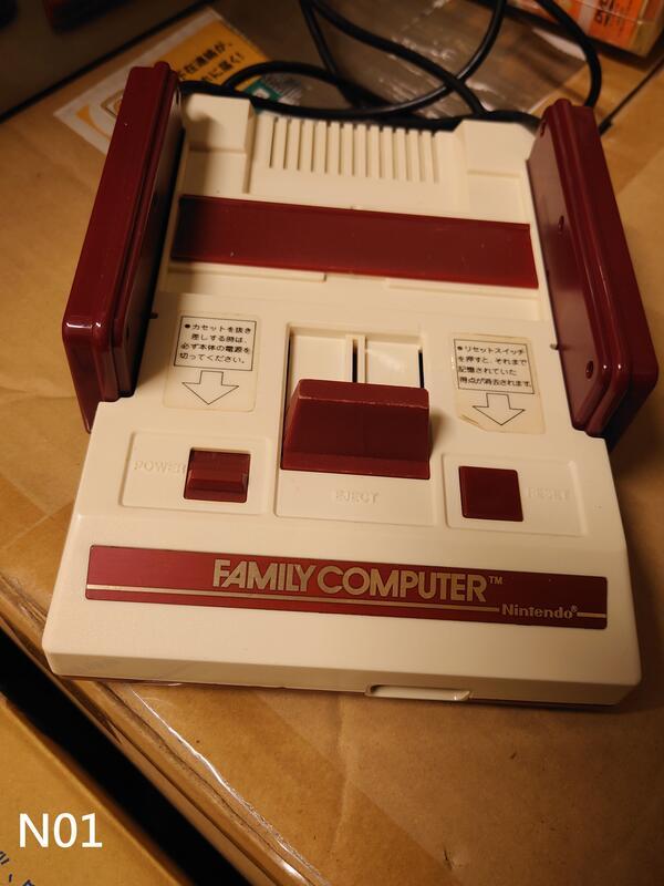 原廠Family Computer 紅白機 裸機數台