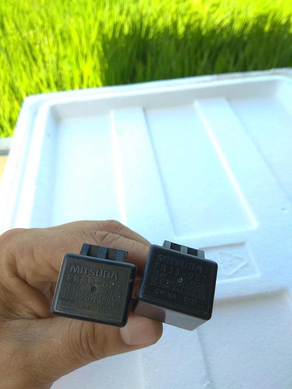 二手CBR250R原廠MITSUBA方向燈繼電器