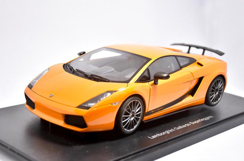 Autoart 1/18。Lamborghini Gallardo Superleggera 柑頂黑配二門。原盒