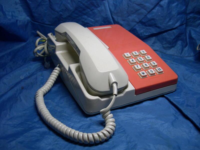 [布列格]早期電話 老電話 按鍵電話 TA-205 橙色 擺飾 收藏 (請看說明欄) (71)