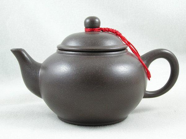 【兩隻老虎在賣(茶.壺)】精選茶壺~【鴿嘴8杯壺 老人茶壺 陶土茶壺】~《黑色》~容量︰200cc