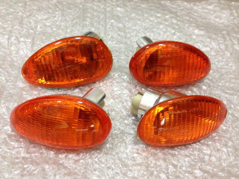 Piaggio Vespa 意大利 ET8 TRIOM方向燈 (ET8.LX.GT.GTS)