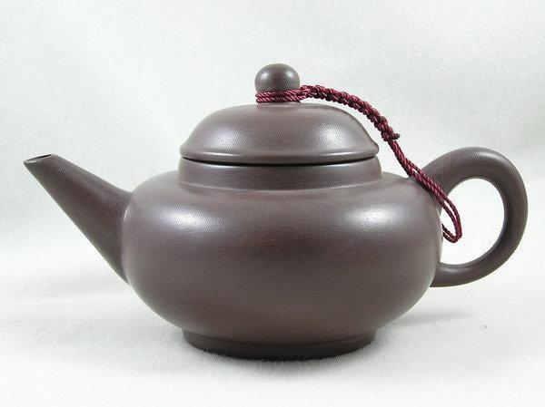 【兩隻老虎在賣(茶.壺)】精選茶壺~【汕頭8杯壺 老人茶壺 陶土茶壺】~《黑色》~容量︰160cc