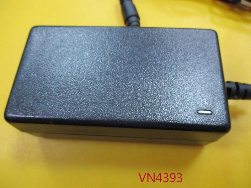 【全冠】安規 電源轉換器 電子式變壓器 SA06-15S12R-W 12V1.25A 5.5/2.1MM(VN4393)