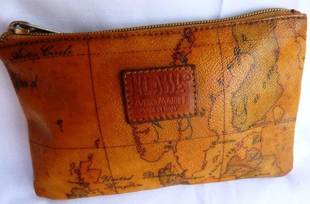 100%正品真品 Alviero Martini 馬汀尼零錢包,放存摺也可以