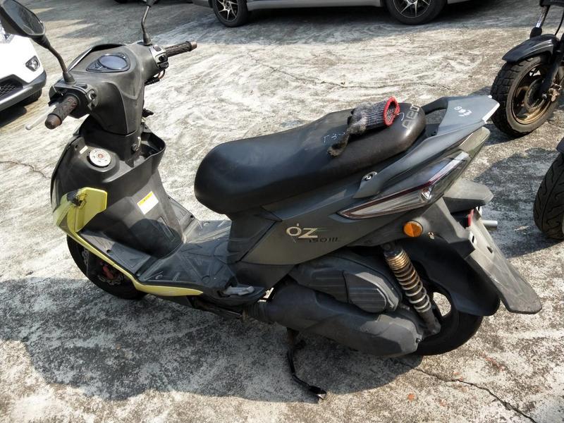 達成拍賣 宏佳騰 OZ 150 啟動馬達 傳動組 空濾組 化油器 煞車鼓 傳動蓋 齒輪箱 排氣管 離合器 鋁圈 啟動盤