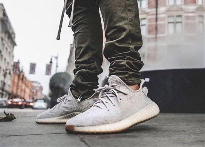 outlet store 7ee19 b8212 S.G ADIDAS YEEZY BOOST 350 V2 SESAME 芝麻沙色男女鞋F99710