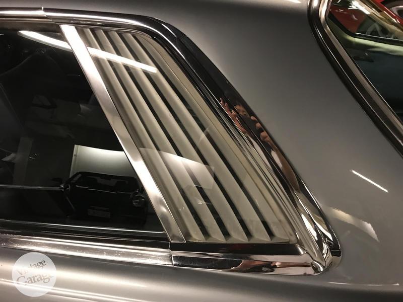 老車庫售:1981 Mercedes Benz C107 280SLC 正牌
