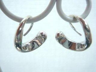 ◎吻銀∼925純銀耳環(D104)彎曲