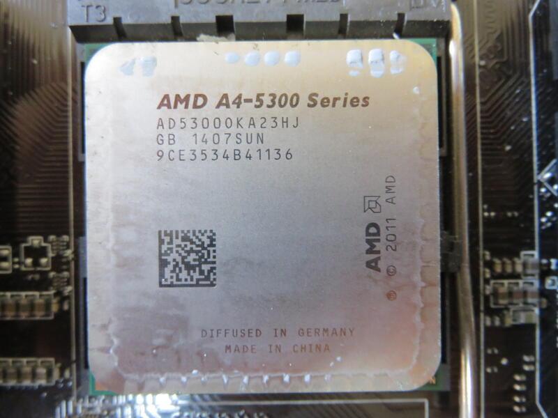 C.AMD CPU-A4-5300 Series A4 3.4GHz AD5300OKA23HJ FM2 直購價240