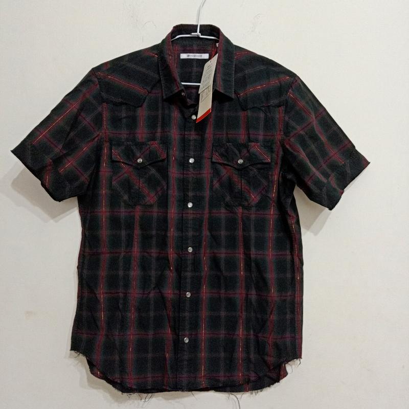 日本 L號男士襯衫$200