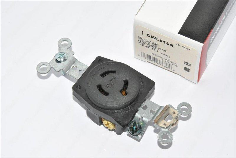 COOPER CWL615R 250V 15A NEMA L6-15R Twist-Lock 防鬆插座 (1顆1標)