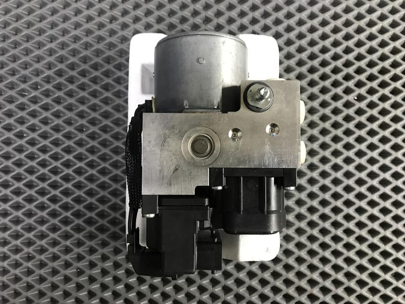 NISSAN MARCH.VERITA (K11)ABS作動器