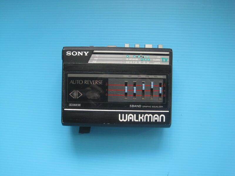 SONY WALKMAN WM-F60 卡式隨身聽 可過電. 能馬達會轉 故障零件機