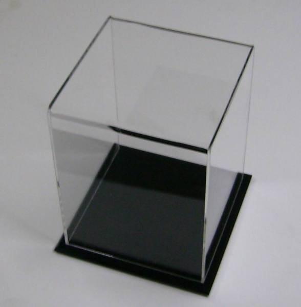長30cm*寬25cm*高25cm 展示盒 3mm透明五面蓋+5mm黑色底座