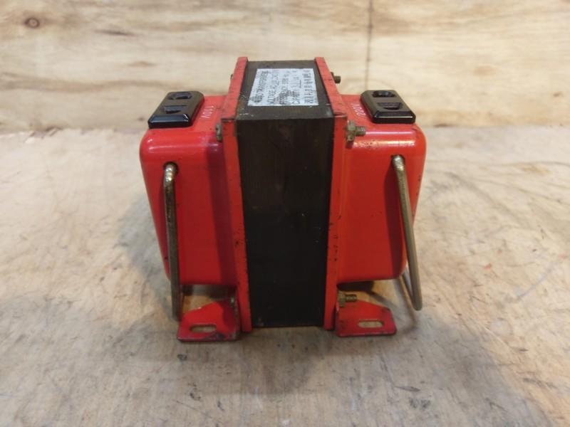 中古 二手 AC 110V 220V 升壓 降壓 變壓器 300VA