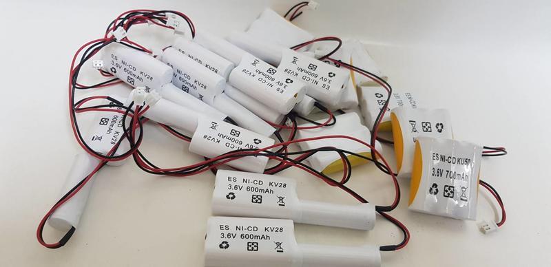 照明燈 鎳鎘電池 3.6V400MAH 3.6V600MAH 3.6v700mah 出口燈.方向電動車.遙控車.儀器電池