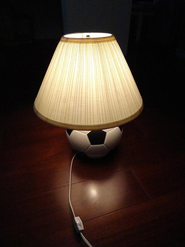 [良心] 二手 檯燈 桌燈 裝飾燈 足球造型 米色