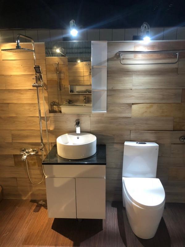衛浴 五件 套組  同 TOTO 雙龍捲 馬桶 + 洗臉盆櫃 + 鏡櫃 + 淋浴大花灑  + ST 304置衣架