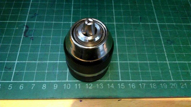 屬殼(黑色)3分快速自動夾頭(三分三爪夾頭)(有鎖定功能) ,適用換於一般三分電鑽與3分震動電鑽