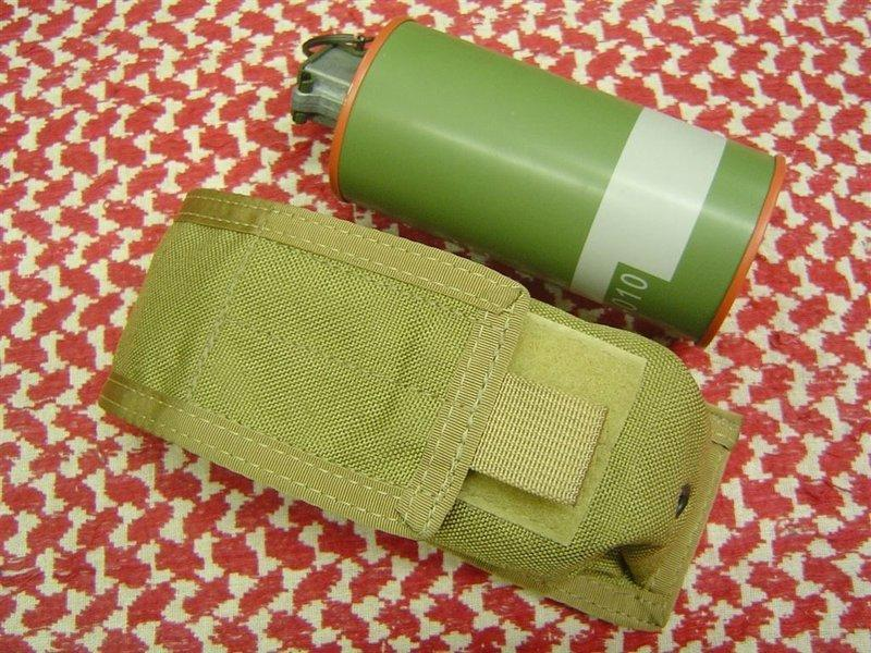 EAGLE早期公發MLCS CIRAS MOLLE  M18煙霧彈袋TAN色(RRV LBT SEAL FSBE HSGI SOE CSM M4 M16 NO25)