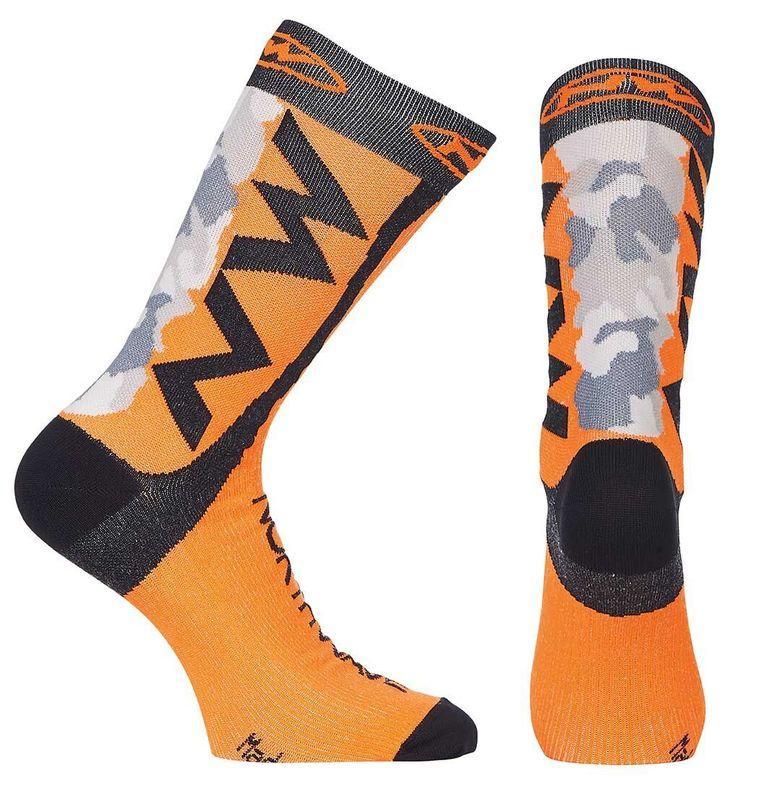 ★魔術方塊單車★全新義大利製造NW Extreme Tech壓縮車襪(橘)--限量優惠價