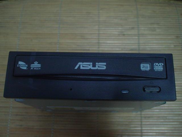華碩 24X DVD燒錄機 (DRW-24D3ST) SATA 介面