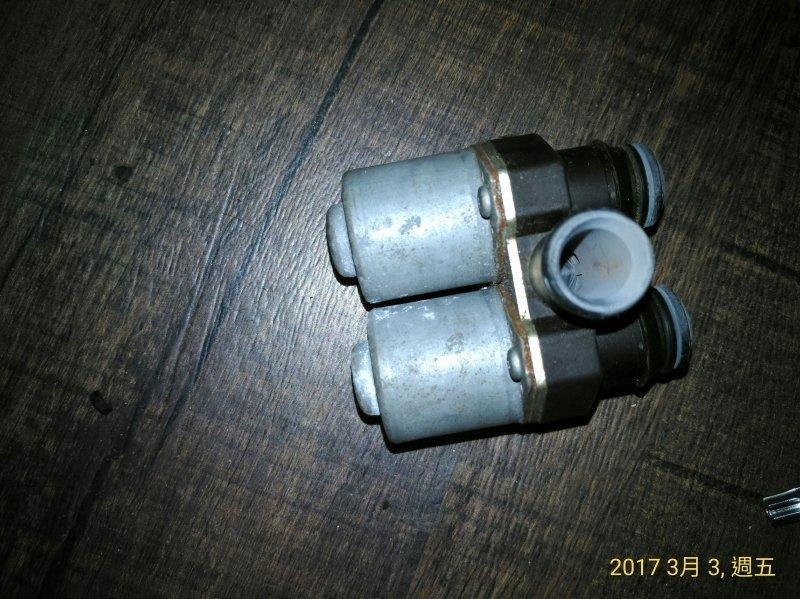 BENZ 賓士 W210 E-240 M112 V6 722.6 手自排 空調熱水閥