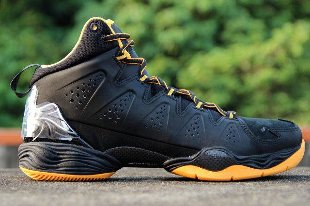 new products cbbc8 6fe50 『A.O.A』NIKE AIR JORDAN MELO M10安東尼10代 黑黃 # 629876-013