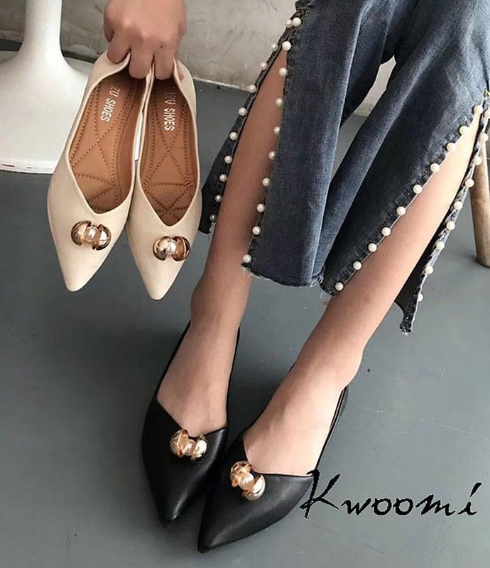 尖頭娃娃鞋 法式五金點綴雅致氣質款 平底鞋 懶人鞋*Kwoomi-A93