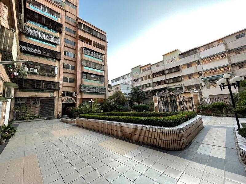 嘉義市民生南路嘉義大學美套房 市中心近公園商圈