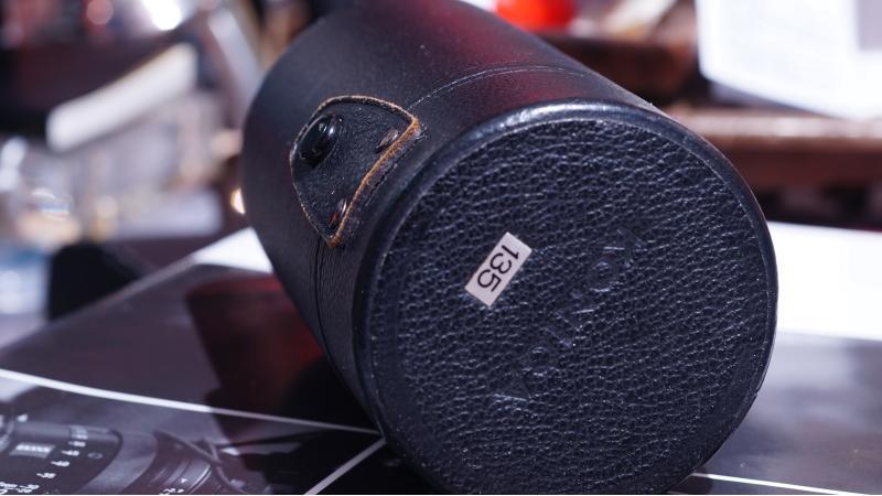 KONICA 原廠 135MM 鏡頭盒子