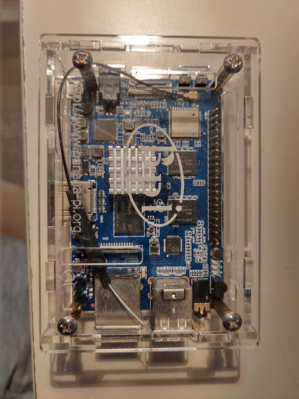 Banana Pi M64 2GB RAM/8GB eMMC + 塑膠外殼 + Wifi天線一個