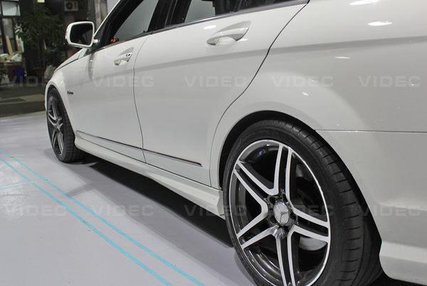 小七的車庫 W204 C300 C350 C63 AMG 樣式 前保桿 側裙 後保桿 另有 E90 E92 F10