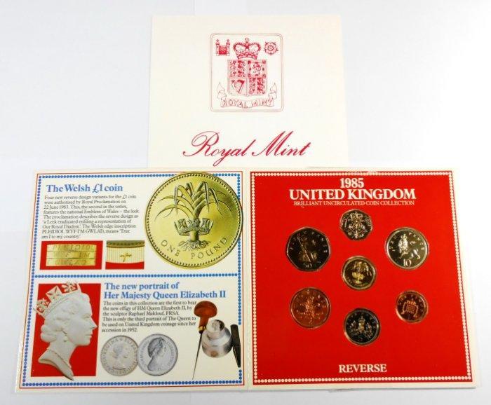 CD021 英國1985年多種面額套幣 原套 長約15公分 寬約15公分