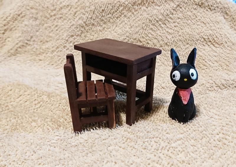 迷你木作手工課桌椅