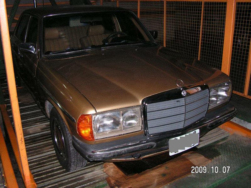 古典老賓士 Mercedes Benz W123 200金色-骨董老賓士的敲門磚