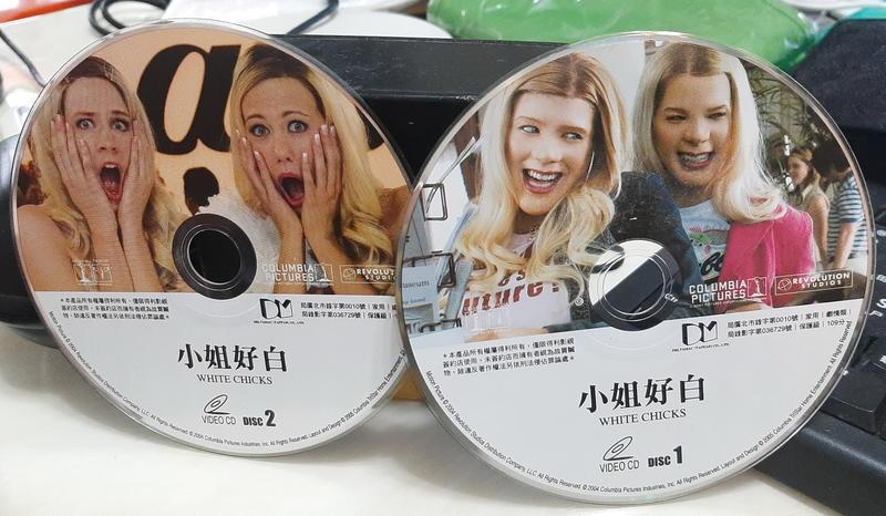 ╭★㊣ 絕版典藏  正版裸片 VCD【小姐好白 WHITE CHICKS】西恩韋恩 主演 特價 $49 ㊣★╮