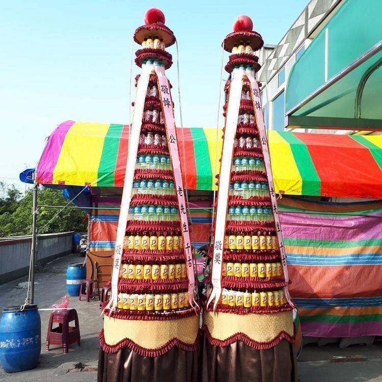 苗栗縣罐頭柱-11層十一層大牌飲料罐頭山罐頭塔 (一對)