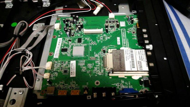 【雅騰液晶維修】聲寶 SAMPO 32吋 EM-32PT08D 需拆主機板來維修 (K605)