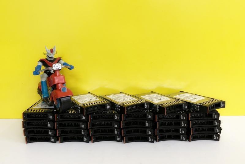 IBM SATA SAS SSD 2.5 10K 15K 300GB 600GB 900GB 1TB 1.2TB