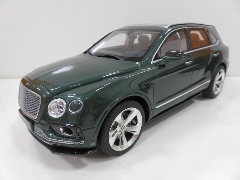 宗鑫貿易 GT SPIRIT GT133 Bentley Bentayga Sport Package 經典綠