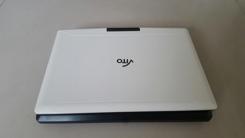 """二手商品 VITO 9""""RMVB 行動式DVD/DVB-T 播放機 / 9吋螢幕 / 型號PD 902 + 電源供應器"""