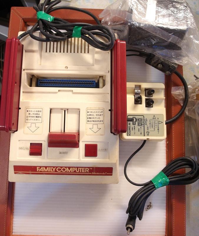 早期 任天   紅白機 遊戲機 電視遊戲機 主機 整組 功能正常