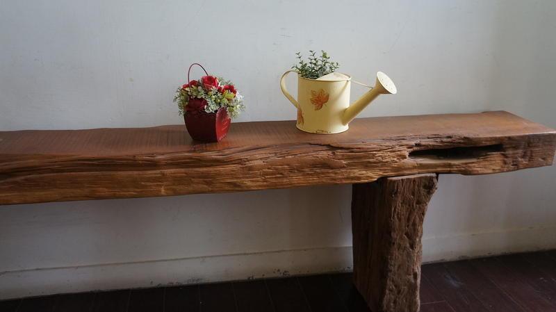 台灣檜木實木陳列櫃、板凳