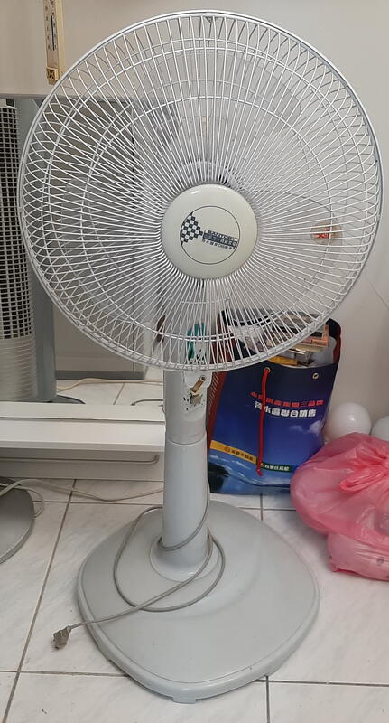 ╭★㊣ 二手 山多力 14吋35公分電風扇【SL-1408】平價實用 清涼一夏 特價 $299 ㊣★╮